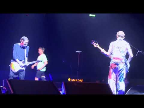 Red Hot Chili Peppers - Mommy Where's Daddy - Mexico 2017