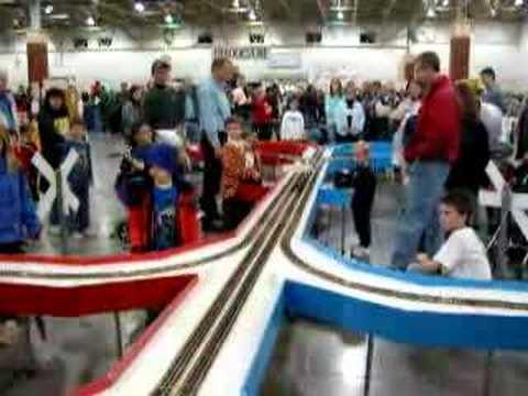 Lionel train races