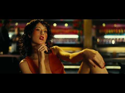 Vagebond's Movie ScreenShots: Revolver (2005)  |Elana Binysh Revolver