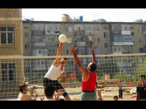 Volleyball Match, Engineering and Economics, Kabul University 2005.