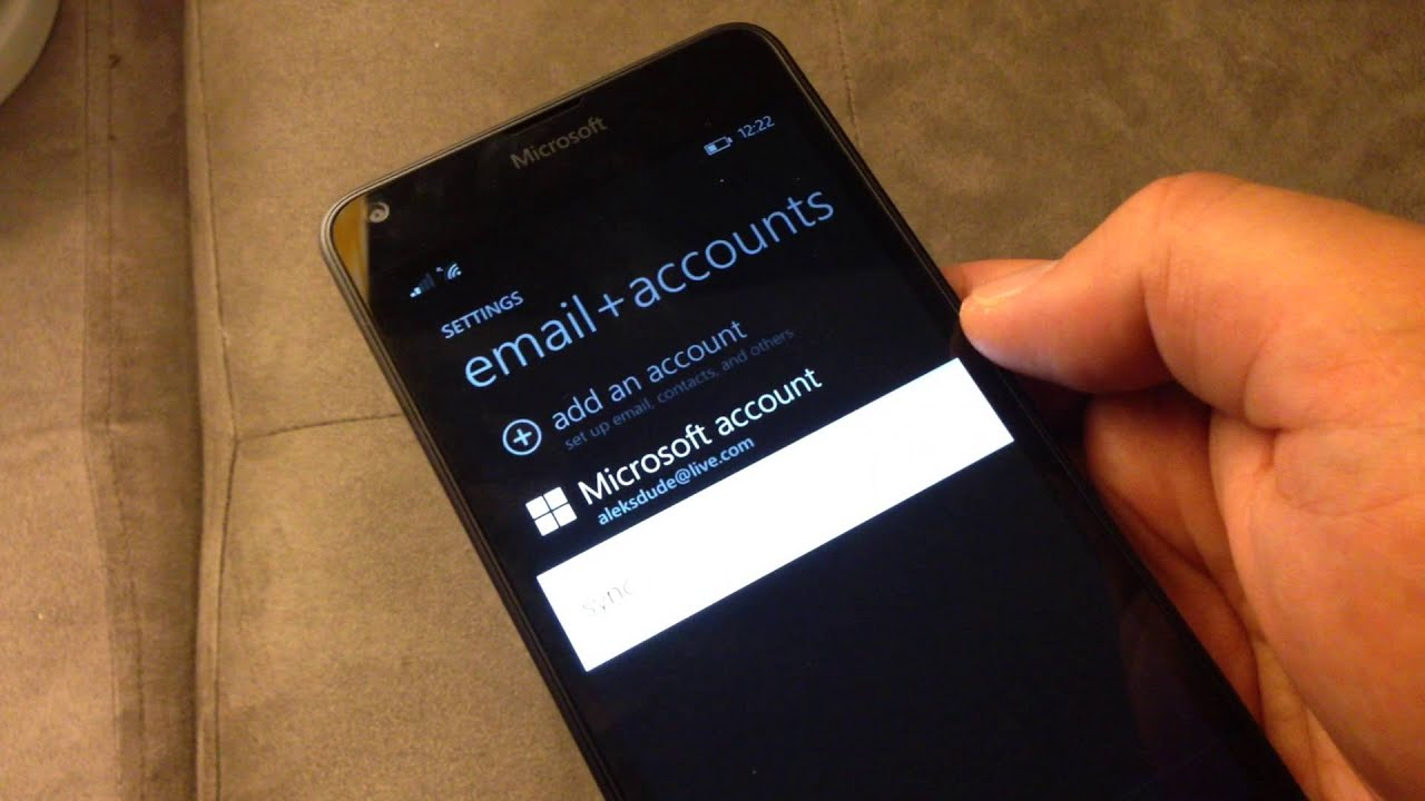 the microsoft account for windows phone lumia 520 cells are white