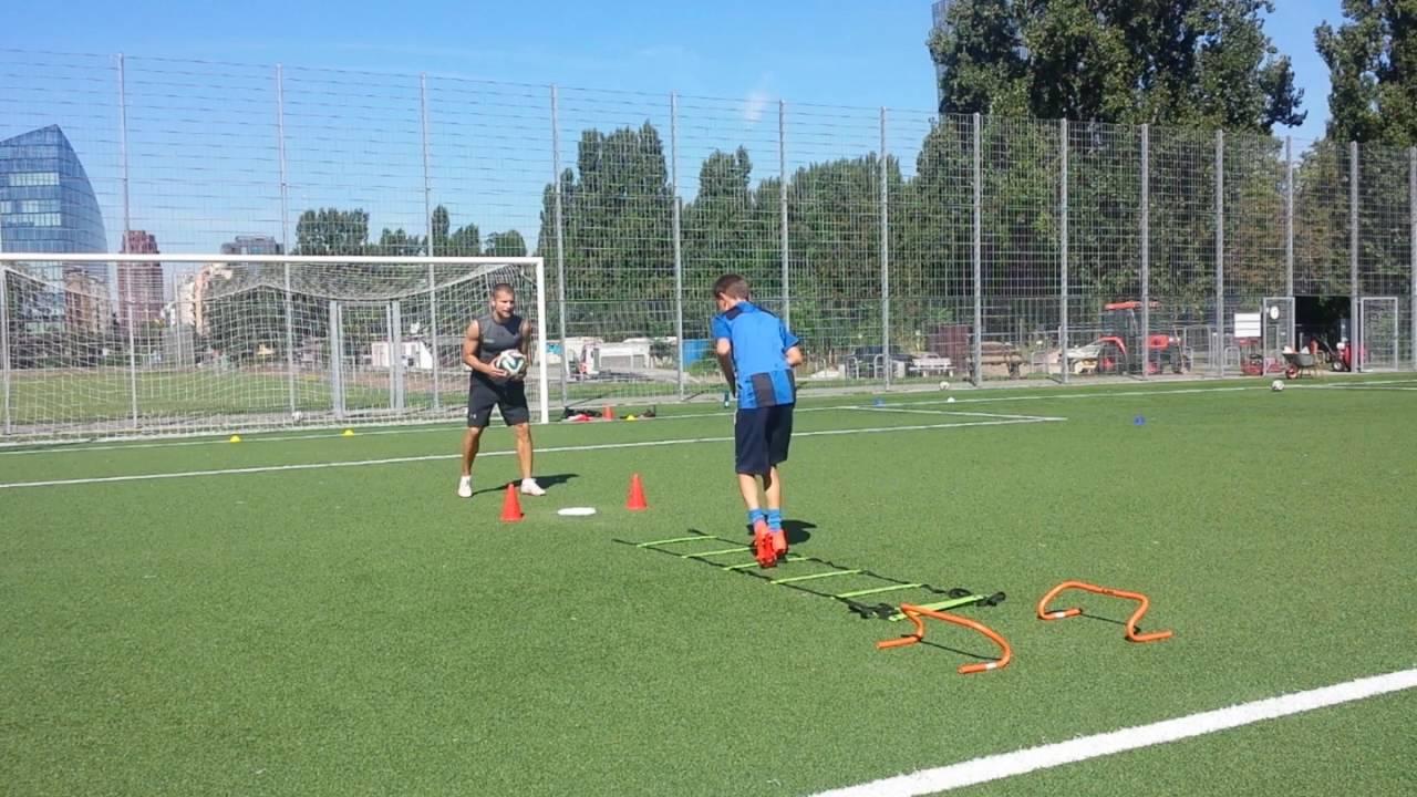 Ubung Fur Schnelligkeit Technik Und Koordination Im Fussball
