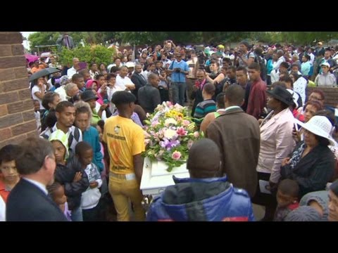 Teen's killing outrages South African gangs