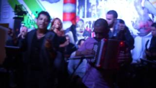 LANZAMIENTO DEL POTTY Y JULIAO EN BARU-DORAL, BY MAURICIO P GOMEZ 2012