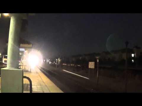 Metrolink express train storms through Fontana!