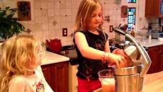 How to Make Grapefruit Juice U…