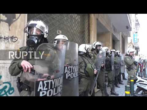 Greece: Protesters against housing auctions showdown with police in Athens