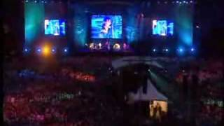 Oasis Live Wonderwall Familiar To Millions DVD