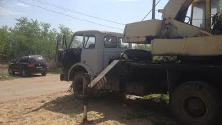 Old USSR crane truck, diesel engine / Старая техника - МАЗ Автокран