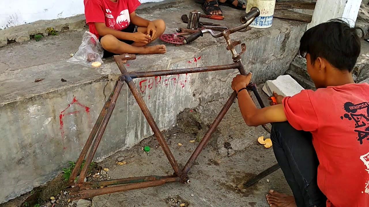 Modifikasi Sepeda Jengki Jadi Fixie - Trend Sepeda