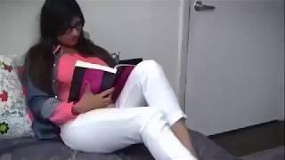 Download Video Mia khalifah artis porno yang beragama islam. MP3 3GP MP4