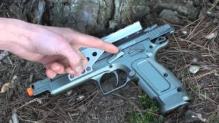 CyberGun/KWC Tanfoglio Gold Custom CO2 BlowBack Airsoft Pistol Review