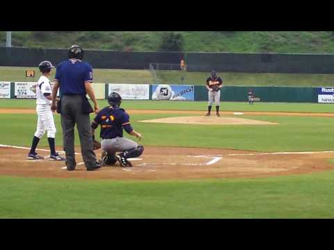 Rays Prospect Jeremy Hellickson pitching against Tennessee Smokies (3)