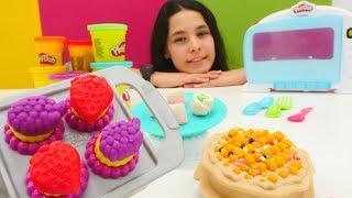 Kutu açılışı videosu. Play Doh kolay mutfak seti.