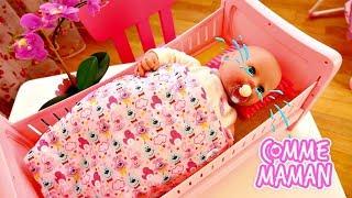 Déballage d'un lit de Bébé Born Annabelle. Vidéo en français pour enfants