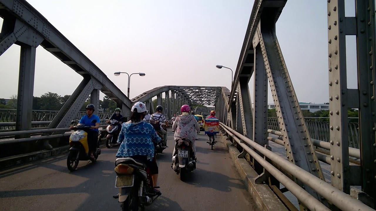 Du lịch Huế : Tham quan Cầu Tràng Tiền – Trang Tien Bridge was built in 1899 by Eiffel