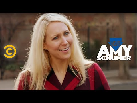 Inside Amy Schumer – Compliments – Uncensored