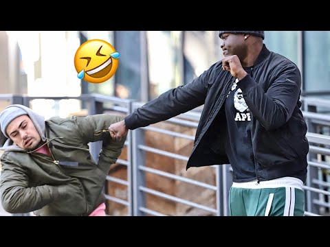 DO YOU WANT A KISS!? | PRANK IN THE HOOD!