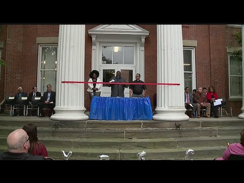 Youngstown Early College finally moves to new location at old Rayen School building