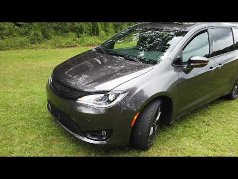 quick-look-2019-chrysler-pacifica-limited-minivan