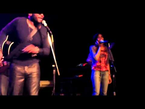 """Darius McCrary Performs 'Heaven and Hell"""" Live"""