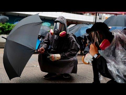 شاهد: الشرطة تطلق الغاز المسيل للدموع لتفريق المتظاهرين في هونغ كونغ…  - 22:53-2019 / 10 / 6