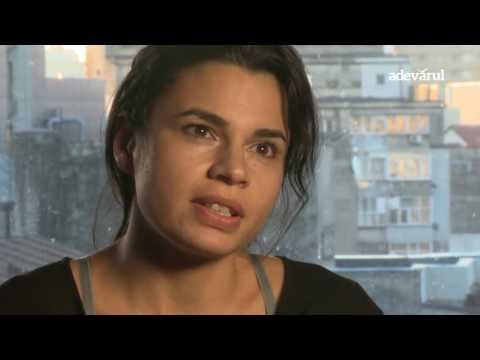 """""""Marea ruşine"""", un spectacol de teatru despre sclavia romilor"""