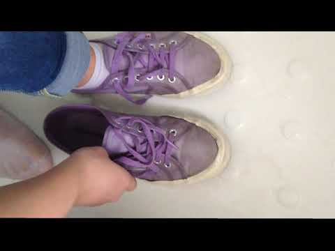 Wetlook - Jane in bathub with old violet Superga