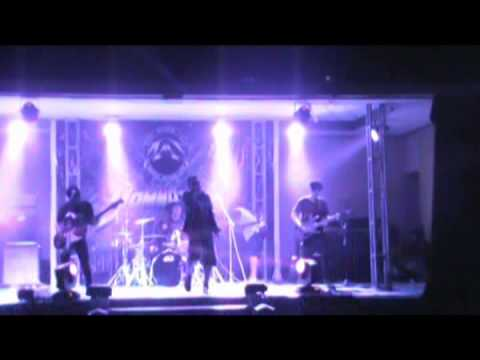 Iwan Fals - Bento (Cover by Lucky Eight)