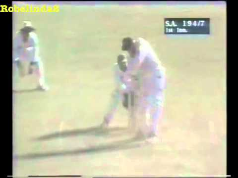 Ball goes through the stumps, CRICKET MIRACLE