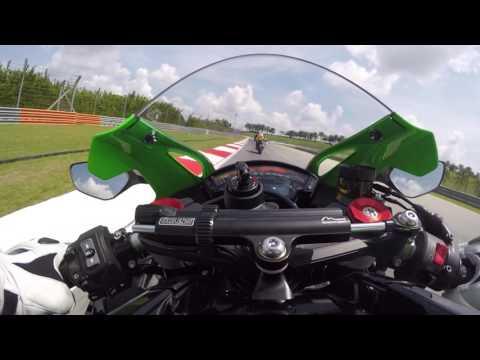 Riding with Tom Sykes. Kawasaki Ninja ZX 10R 2016 On Board Sepang.