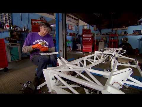 Installing a New Chassis | Wheeler Dealers