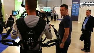Экзоскелет Tilta Armor Man 2 и электронный стедикам DJI Ronin 2.