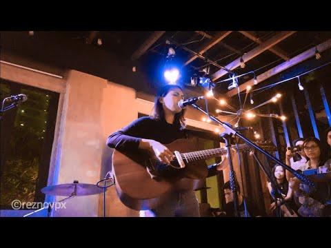 Clara Benin - Parallel Universe (Live at Unit 27 Apartment Bar + Cafe)