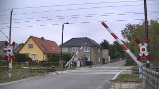 Spoorwegovergang Röderland (D) // Railroad crossing // Bahnübergang