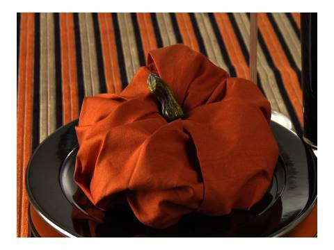 easy napkin design fall pumkin napkin