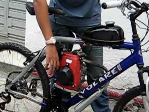 Bicicleta Motorizada com Motor 4 tempos em funcionamento