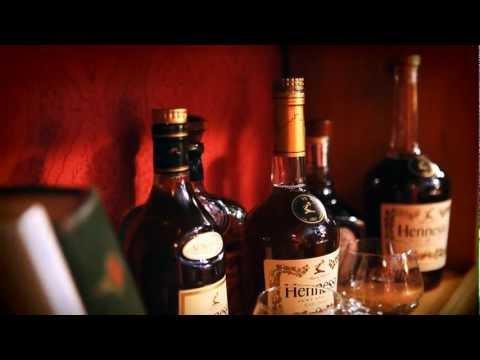Strapo - Sám doma a bohatý feat. DJ Spinhandz (produkcia EMERES) OFFICIAL VIDEO
