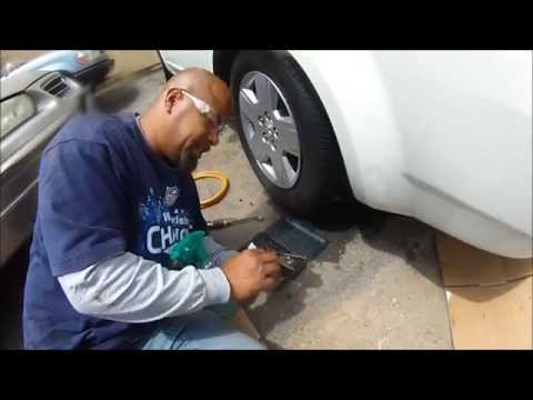 THE EASIEST & FASTEST WAY TO FIX SLOW/FAST LEAKING TIRES WITH SOAP, WATER & TIRE PLUGS - 동영상