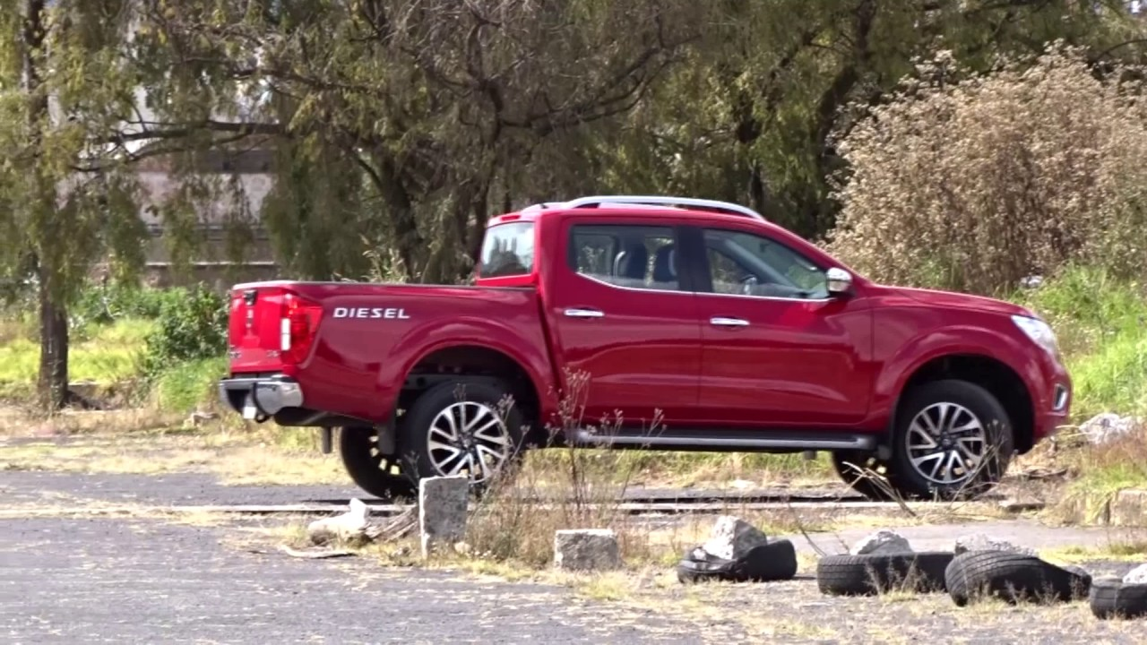 Nissan Frontier NP300 LE TA 4x4 Diésel - YouTube