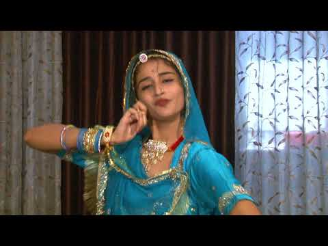 Padman Movie Artist Parul Chouhan Performs Dance On Aur Rang De