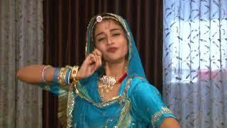 Padman Movie Artist Parul Chouhan Performs Dance on Aur Rang De