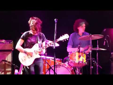 """Mary Timony plays Helium, """"Leon's Space Song"""" @ The Sinclair"""