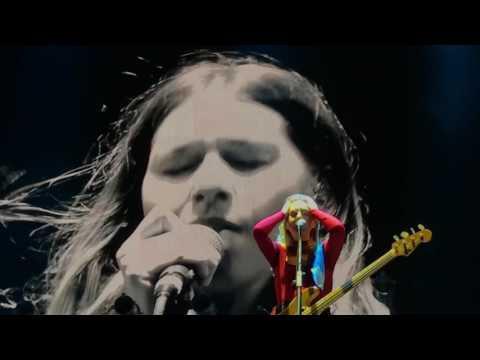HAIM - Nothing's Wrong live at Corona Capital 2016