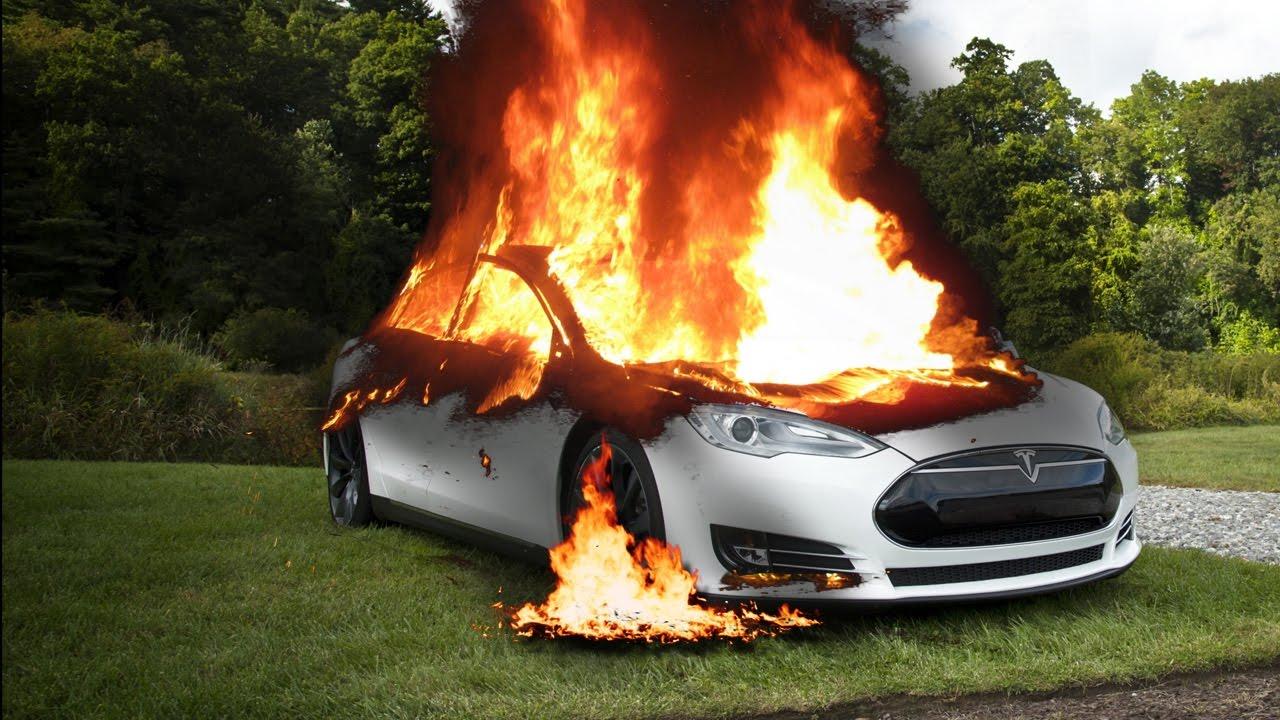 Tesla Model S - smrteľné nehody