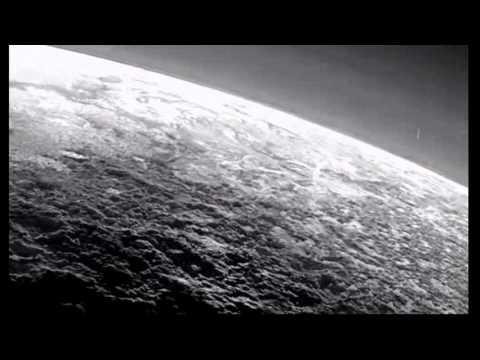 UFO over Pluto on the official NASA photo НЛО над Плутоном ...