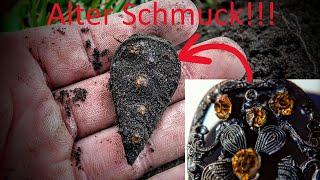 Sondeln - Alter Schmuck und viele Münzen auf Wiese und Acker - XP Deus