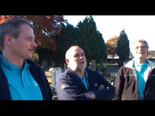 voorbereiding  Allerzielen begraafplaats Oostermaas, 2 november 2015