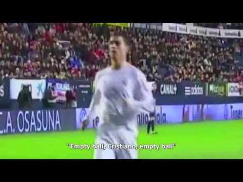 "Fans scream at Cristiano Ronaldo: ""Ball of Shit"""