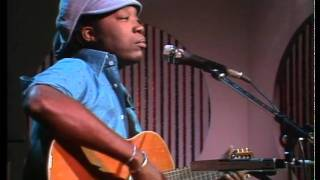 Watch Milton Nascimento Pai Grande video